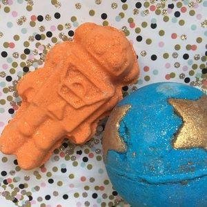 Lush Shoot For the Stars + Tick-Tock bath bombs